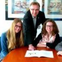 St. Bernhard-Hospital fördert Ausbildung junger Menschen