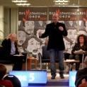 WDR5 sendete live vom Auftakt des Krimifestivals aus der Sparkassenhauptstelle in Moers